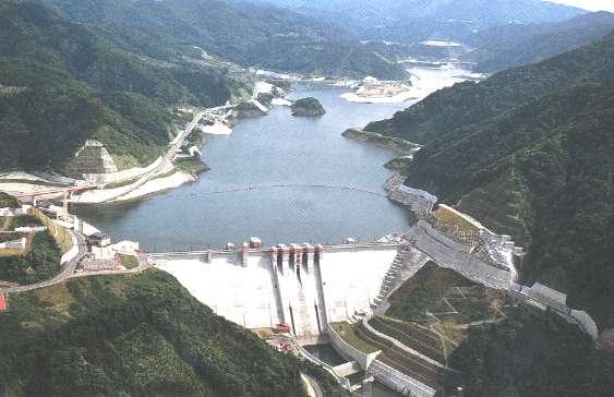 浅瀬石川ダム1